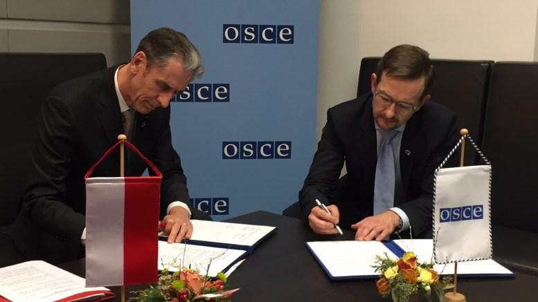 Vienna - XXIV Consiglio Ministeriale dell'OSCE : Gilles Tonelli, Ministro delle Relazioni estere e della Cooperazione del Principato con Thomas Greminger, Segretario Generale dell'OSCE