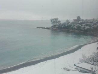 La neve prima di arrivare a Mentone intorno alle 16 del 26 febbraio 2018, Ft.©arvalens