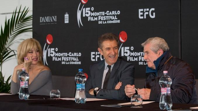 Ezio Greggio, con accanto Claude Lelouch e Nancy Brilli, durante la presentazione della 15esima edizione del Monte Carlo Film Festival de la Comédie, Ft.webstudio06
