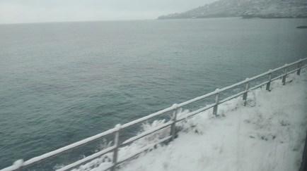 Neve sul tratto costiero fra Ventimiglia e Mentone intorno alle ore 16 del 26 febbraio 2018 Ft.©arvalens