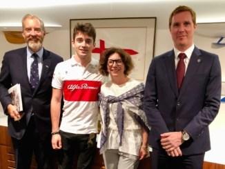 il pilota monegasco Charles Leclerc ricevuto dall'Ambasciatrice di Monaco in Australia Catherine Fautrier