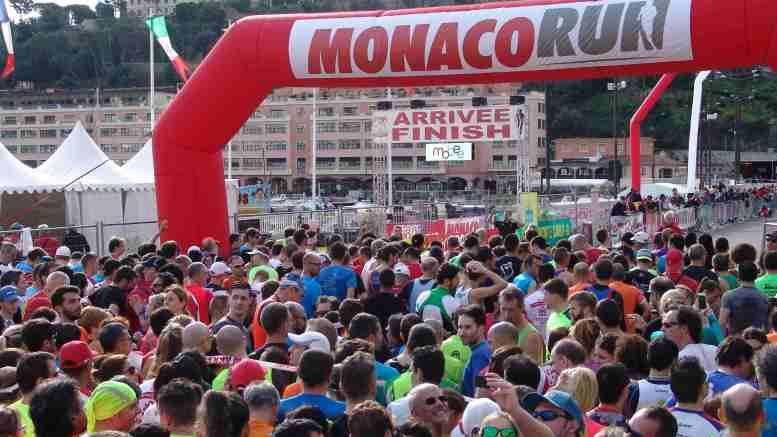 La partenza di Monaco Run, Corsa per diettanti e sportivi organizzata dalla Federazione Monegasca di Atletica