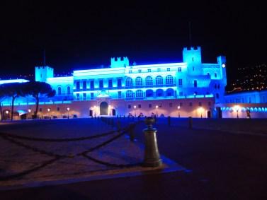 Giornata Mondiale Autismo: Il Palazzo del Principe di Monaco si tinge di Blu Ft.©MGD