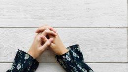 Proverbi genovesi: Cosa Accade a Chi Aspetta l'Aiuto dei Parenti? Ft. Rawpixel