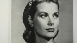 90 Anni di Grace Kelly con le Opere di 50 Artisti