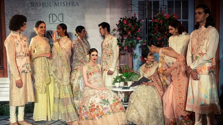 Una Sfilata Dedicata a Monte Carlo alla Settimana della Moda di Bombay