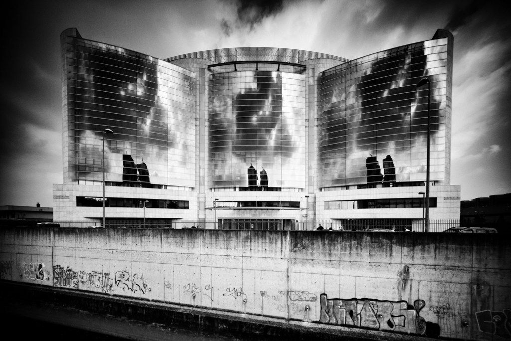 Degrado e Bellezza: il Pianeta Metropolitano