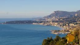"""A Grimaldi """"Non Solo Spiaggia"""", Libri al Confine tra Italia e Francia"""