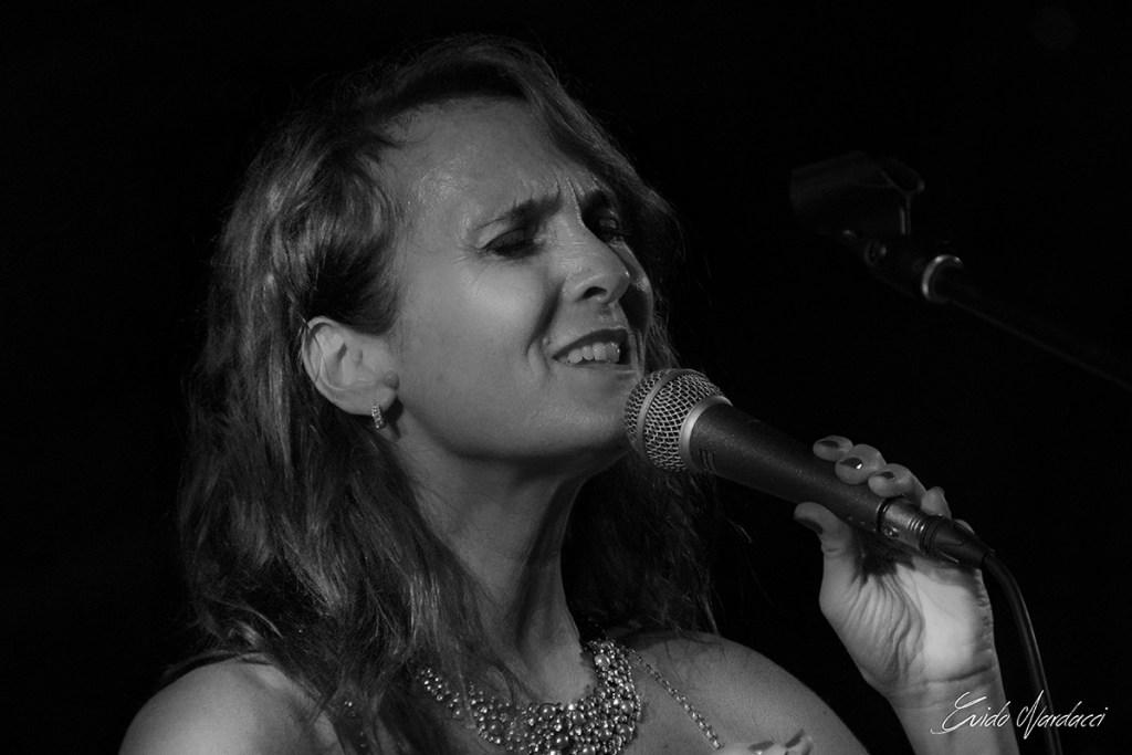 Alessandra Cabella, Voce della Band Jazz&Saudade Experience e la Passione per la Musica Brasiliana; Ft©Guido Nardacci