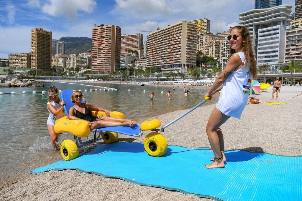 """Piace la """"Nuova"""" Spiaggia del Larvotto, Inaugurata dal Principe Alberto alla Presenza di Renzo Piano (le foto)."""