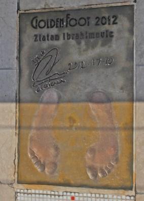 Zlatan's footprint on the Champions Promenade @CelinaLafuenteDeLavotha