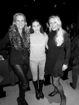 Eline de Kat and a friend with Eugenie Andrin (middle) after the performance