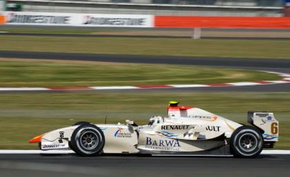 Lucas di Grassi racing GP2 in Silverstone in 2008