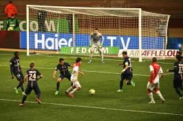 Silva trying to score @CelinaLafuenteDeLavotha
