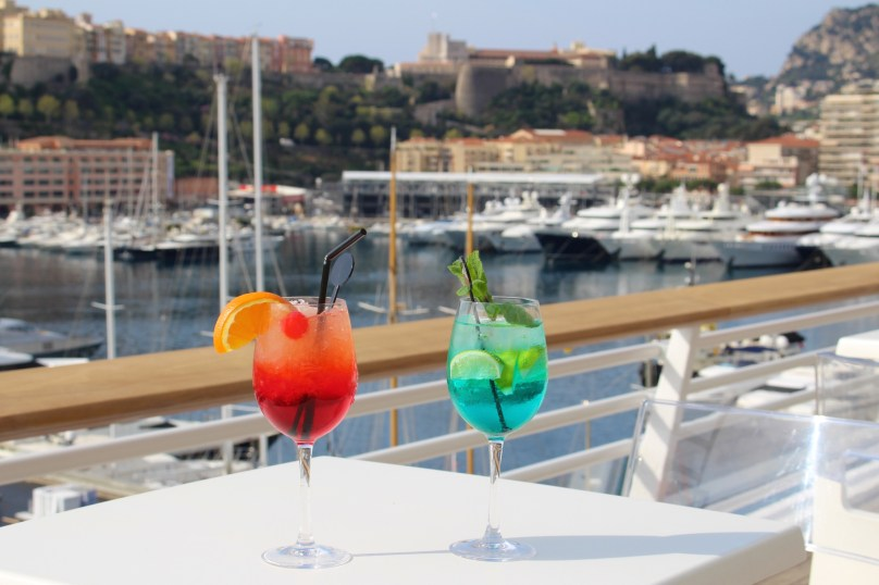 Drinks specially prepared for Novka and Stan after their exhibition courtesy of the Yacht Club of Monaco @CelinaLafuenteDeLavotha