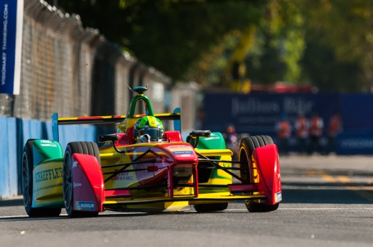 Lucas di Grassi on the track in Buenos Aires February 6, 2016 @P1 Media Relations