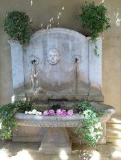 The beautiful fountain at Villa Gallici@CelinaLafuenteDeLavotha