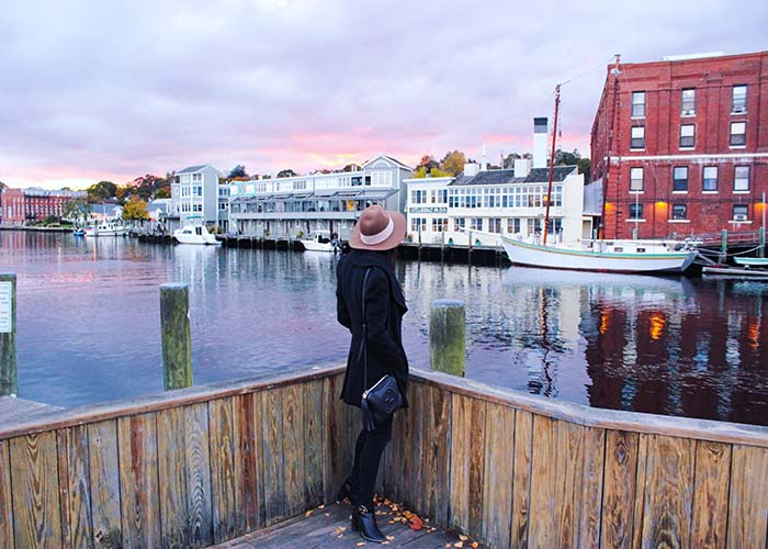 Cozy Fall Getaway At The Whaler S Inn Of Mystic Ct Monacorona Com