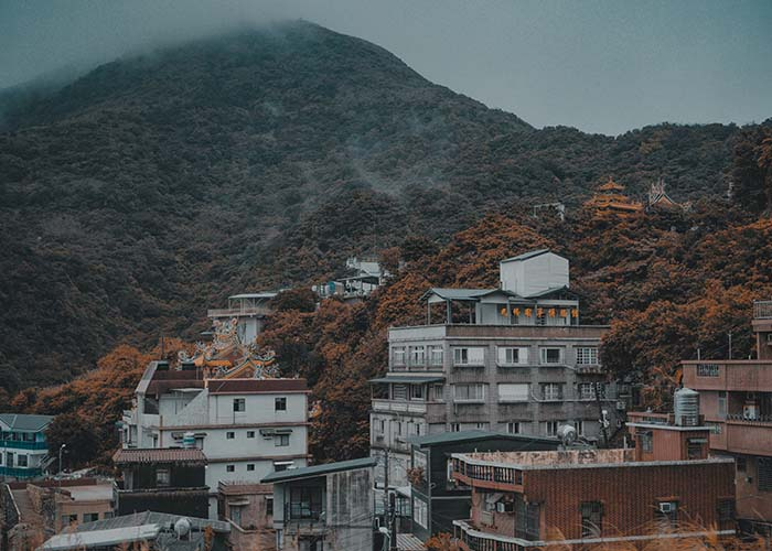 This image has an empty alt attribute; its file name is Jiufen-Taiwan-1.jpg