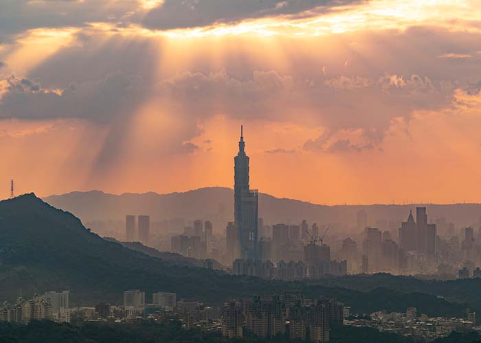 This image has an empty alt attribute; its file name is taipei-travel-guide.jpg