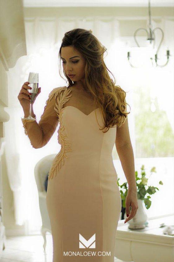 robe orientale Haute-Couture libanaise rose pastel clair déesse princesse