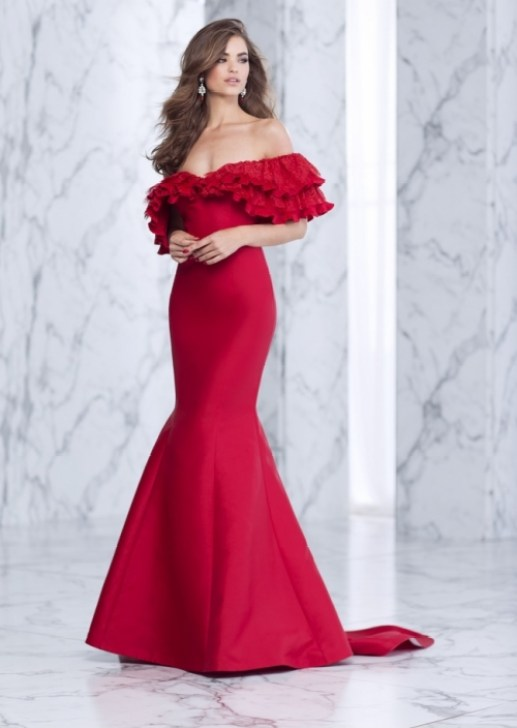 robe rouge off shoulders Tarik Ediz