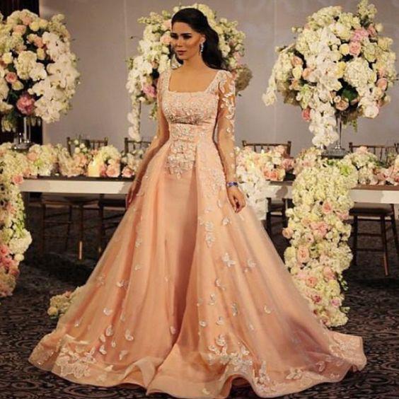 Dubai robe mariage rose. Magnifique robe de Dubai et libanaise. Robe Dubai à louer ou en vente pas cher sur Paris.