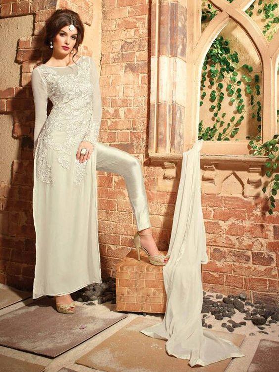 Belle robe Dubai avec pantalon. Robe de soirée Dubai en location et vente sur Paris. Robe pas cher de qualité.