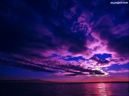 chmury-niebo-fioletowe