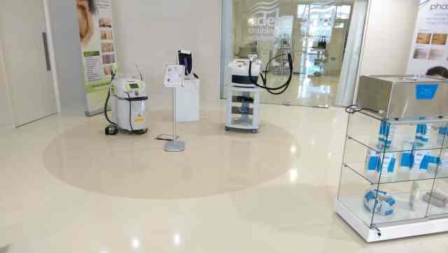 Hygienic resin flooring - beauticians - monarch