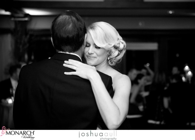Lodge-at-torrey-first-dance
