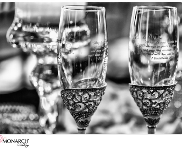engraved-champagne-flutes-prado-wedding