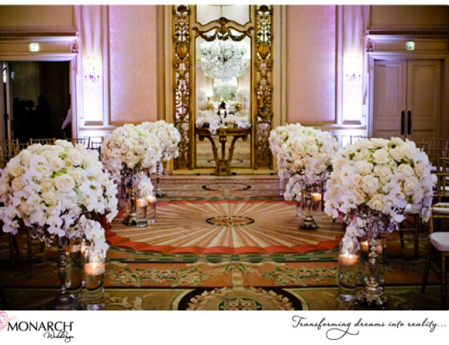 Orchids-roses-lined-ceremony-aisle-Blush-french-vintage-wedding-westgate-hotel