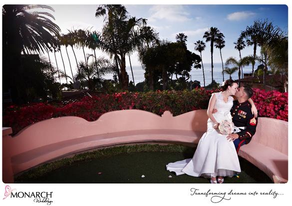 La-Valencia-Hotel-Garden-Ceremony-Sunset-Kiss