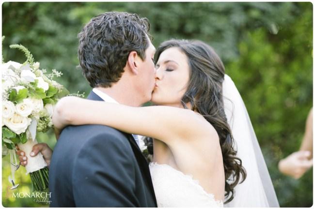 Garden-Chic-Rustic-Wedding-Ceremony-Kiss