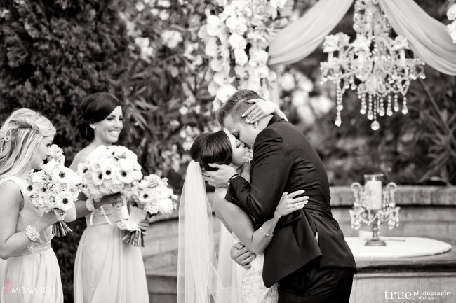 Kiss-wishing-well-prado-balboa-park-wedding-san-diego-wedding-planner