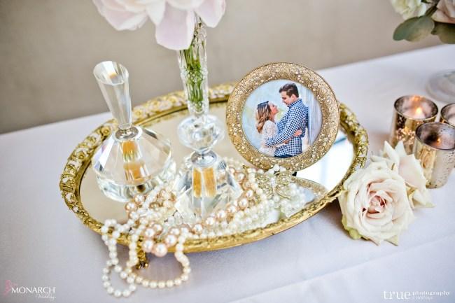 vintage-welcome-table-Great-gatsby-prado-balboa-park-wedding-san-diego-wedding-planner