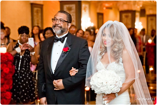 Bride-red-roses-gatsby-wedding-us-grant