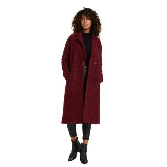 manteau long rouge bouclettes