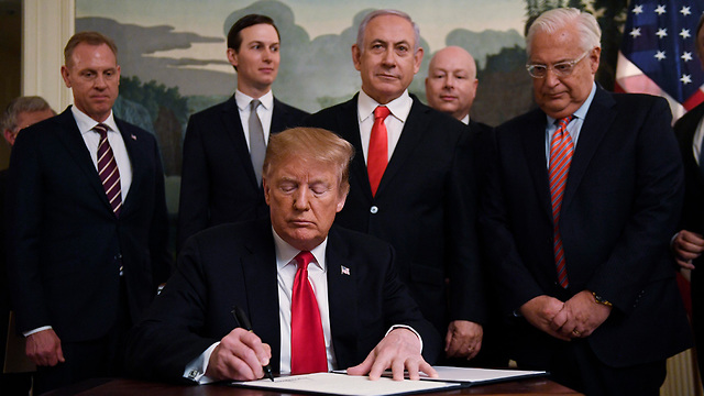 Trump Signs Declaration Recognizing Israeli sovereignty over Golan Heights