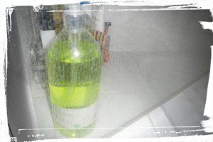 Porte de douche avec du calcaire avant nettoyage monblabladefille.com