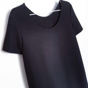 Petite robe noire à partir du patron du livre de Charlotte auzou apprendre à coudre ses vêtements et accessoires monblabladefille.com