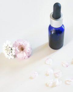 Recette Comment faire un soin contour des yeux anti-âge anti-cerne et anti-poche huiles bio monblabladefille.com
