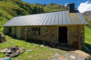 Cabane d'Aula en début de rénovation