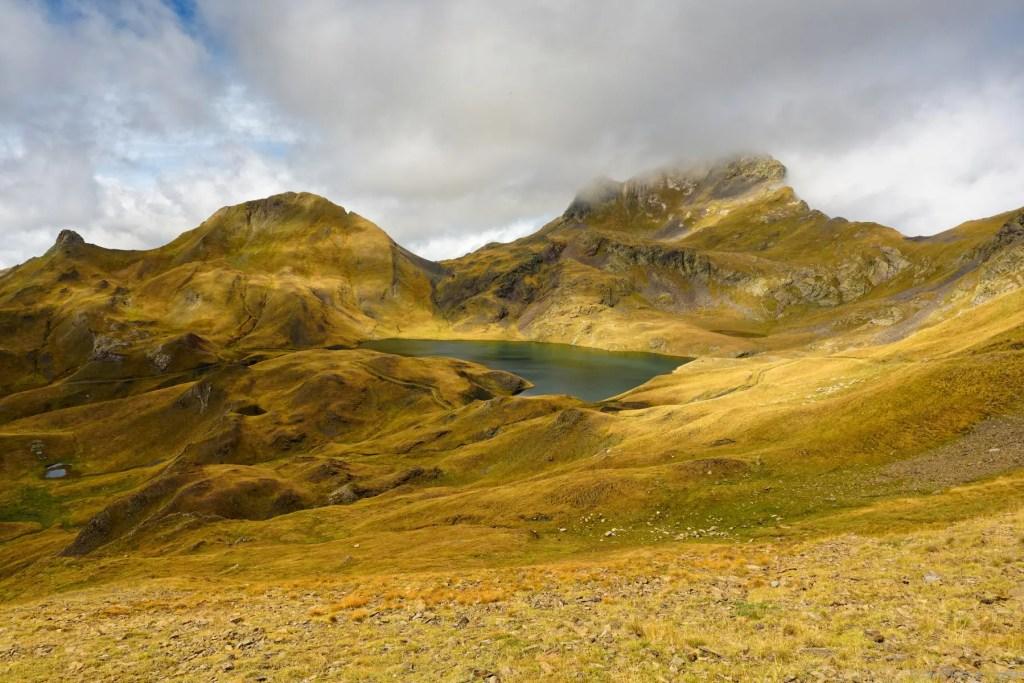Lac de Montoliu et pic de Maubermé