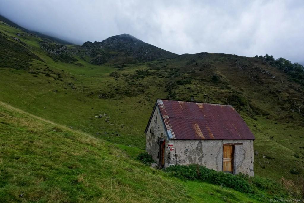 Cabane de Trapech du Milieu sur le GR10