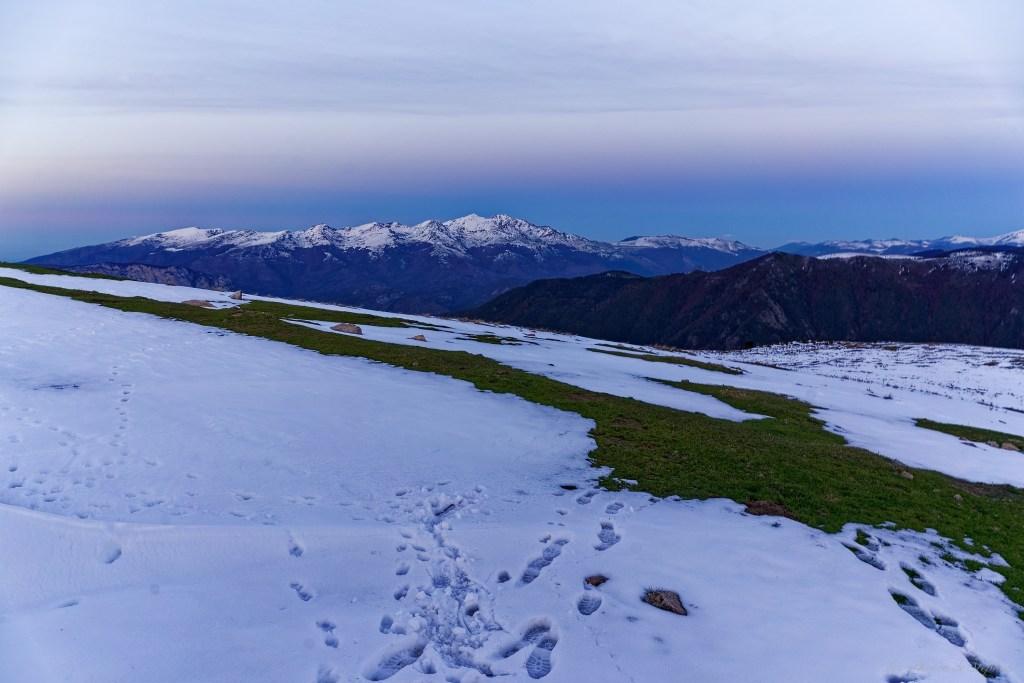 Le soir se couche sur le massif de Tabe