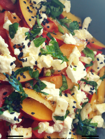 salade de tomates, nectarines et curry