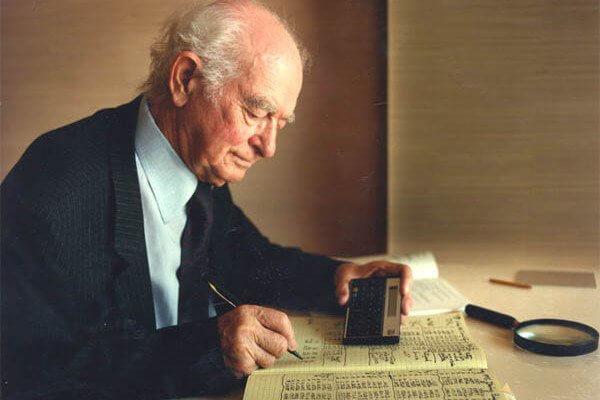 Linus Pauling un des plus grands scientifique au monde et dont l'opinion est respectée universellement par tous ses pairs