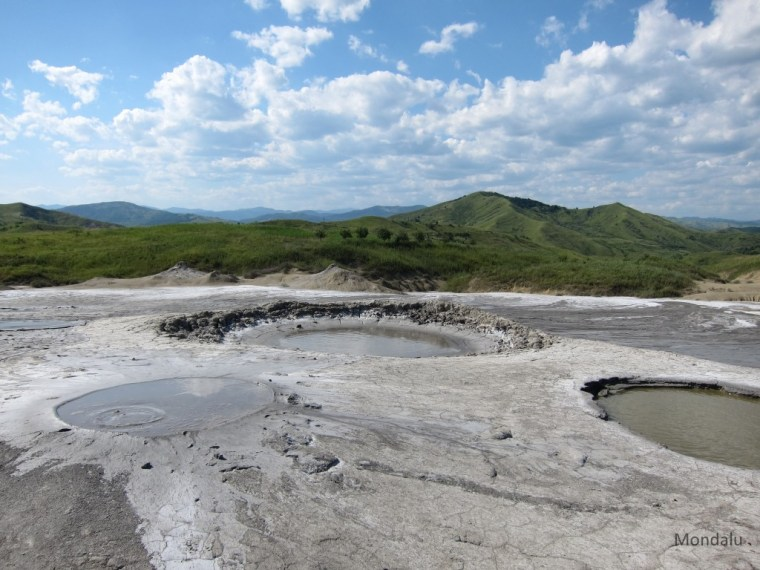 Vulcanii Noroisi, Roumanie